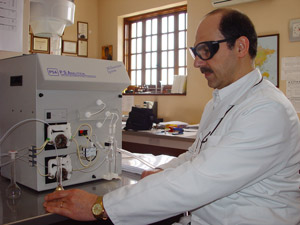 Dr. Georgiou working to develop the world's only natural heavy metal chelator that has been scientifically proven to work